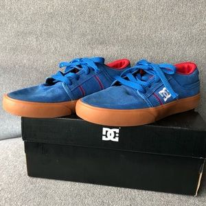 DC Shoes RD Grand Runners Boys Size 4